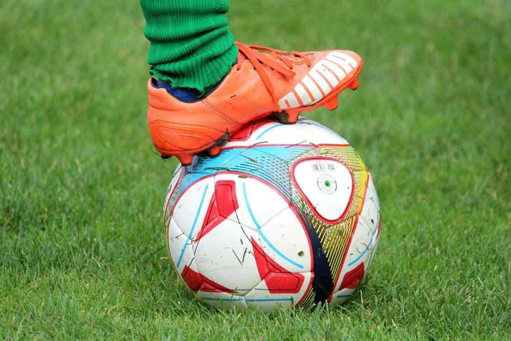 Fußball Fußballschuhe Schienbeinschoner